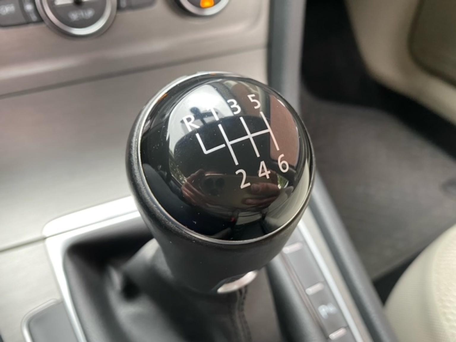 Volkswagen-Golf-19